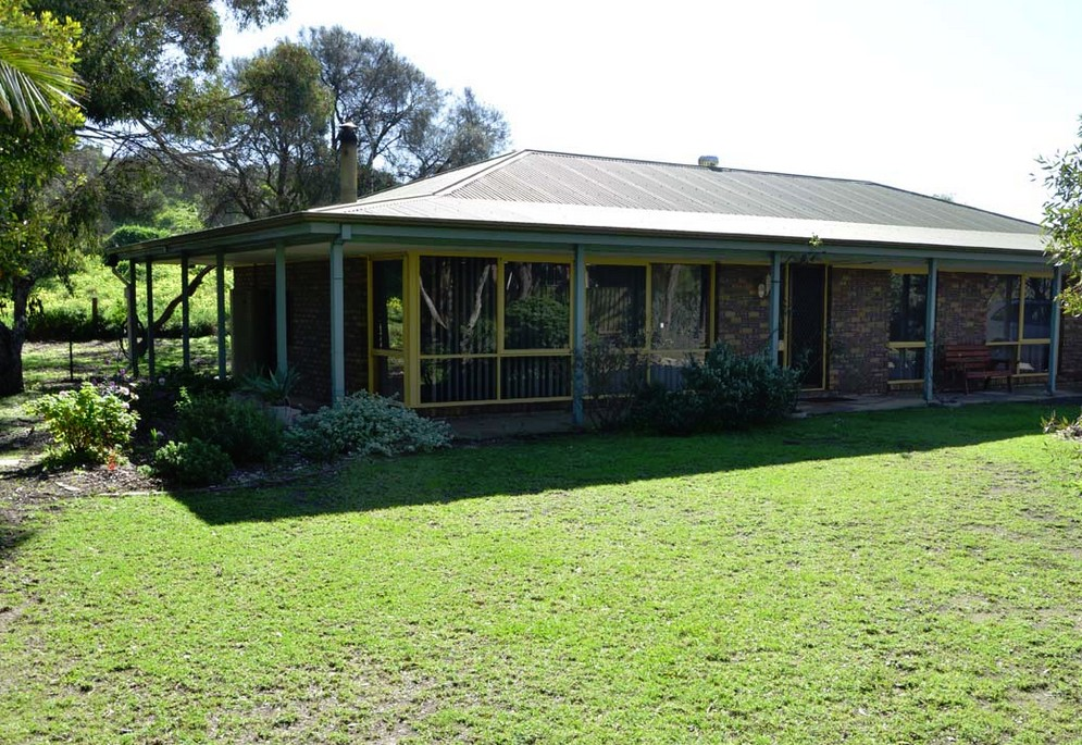 The Beach House - Normanville - Accommodation Ballina
