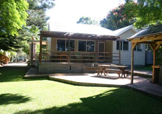 Pine Cottage - Accommodation Ballina