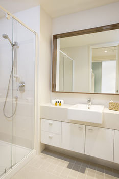 Melbourne Short Stay Apartments on Whiteman - Accommodation Ballina