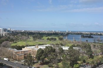 Apartments Melbourne Domain - South Melbourne - Accommodation Ballina