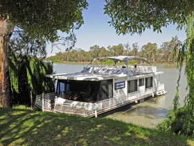 Boats and Bedzzz - The Murray Dream self-contained moored Houseboat - Accommodation Ballina
