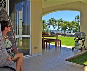 Absolute Beachfront Apartment - Accommodation Ballina