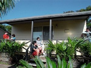 Canton Beach Waterfront Tourist Park - Accommodation Ballina