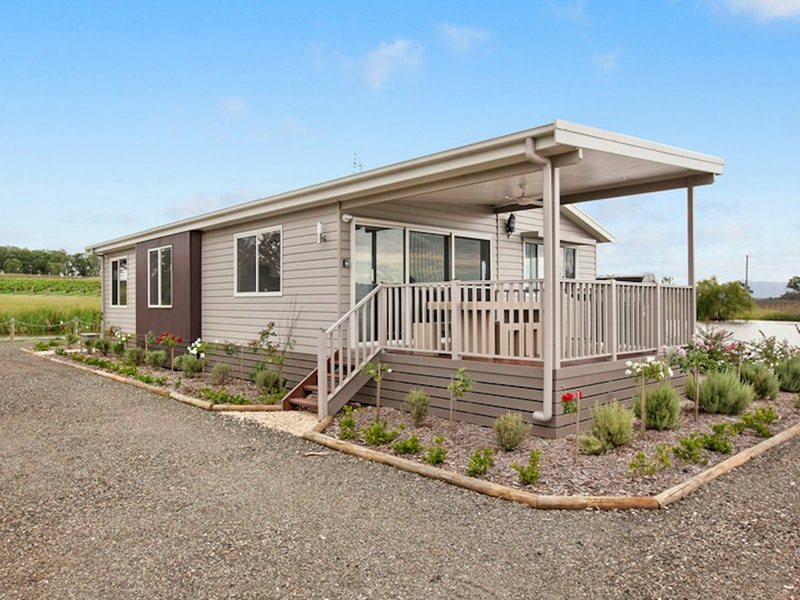 The Lake House Rothbury - Accommodation Ballina