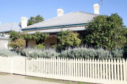 Florennes Heritage Cottage - Accommodation Ballina