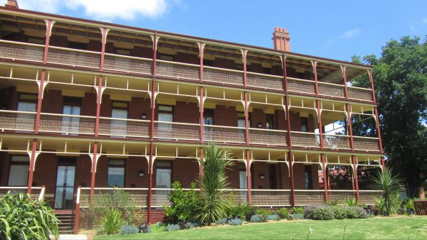 Yarra House - Accommodation Ballina