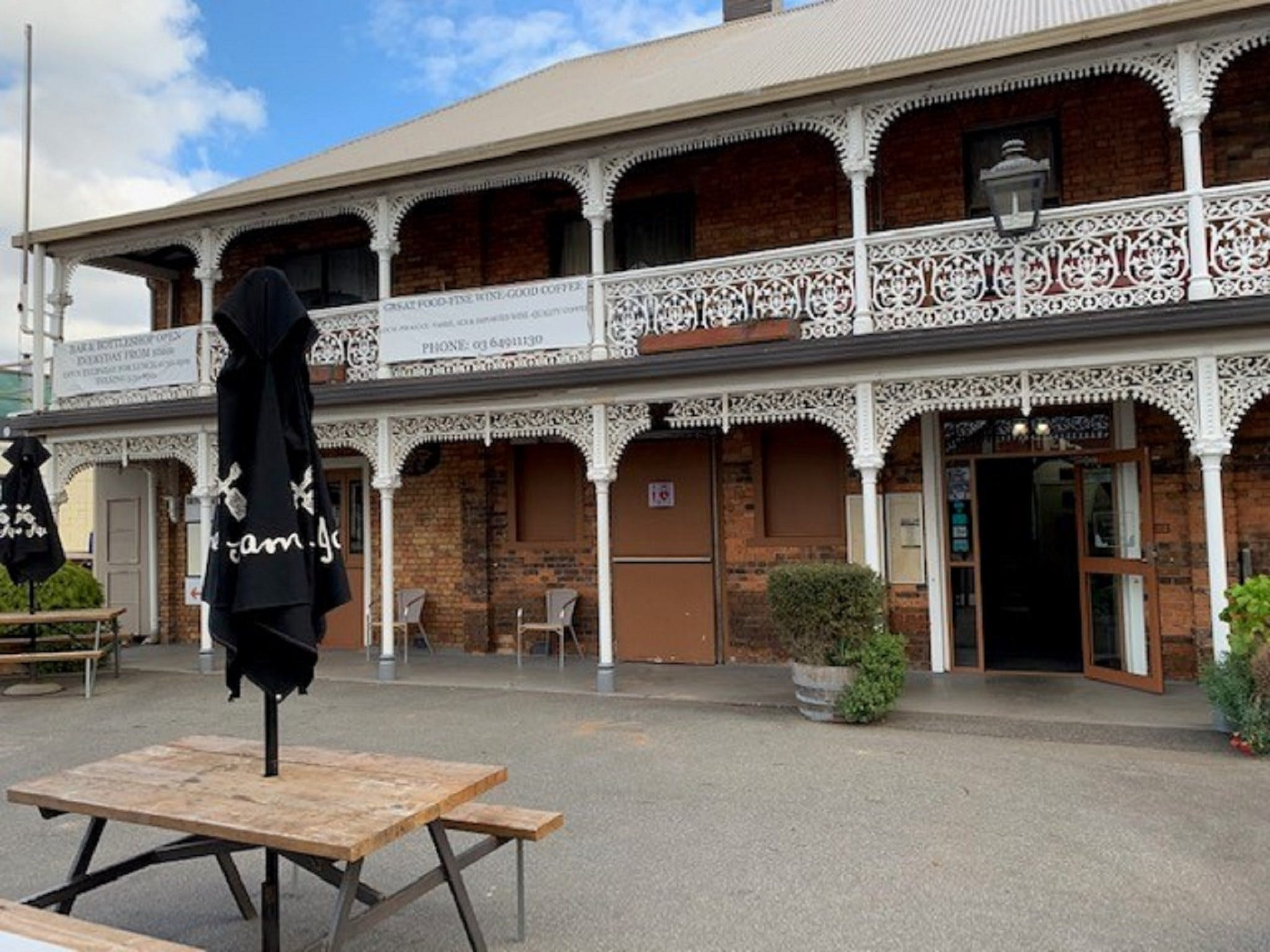 The Sheffield Hotel Tasmania - Accommodation Ballina