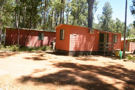 Dwellingup Chalets And Caravan Park
