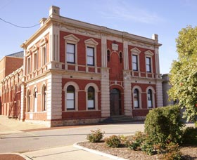 Northam Town Hall - Accommodation Ballina