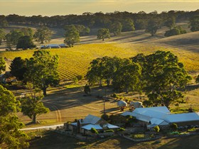 Hutton Vale and Farm Follies - Accommodation Ballina