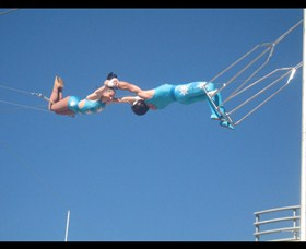 Trix Circus Flying Trapeze - Accommodation Ballina