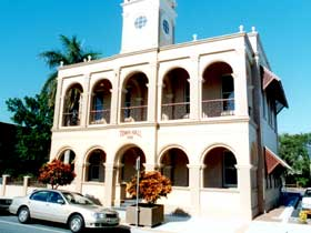 Mackay Town Hall - Accommodation Ballina