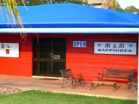 M and M Sapphires - Accommodation Ballina