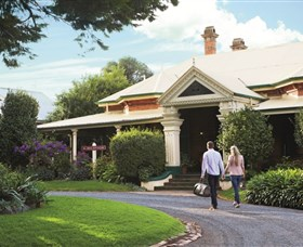 Historical Walk Through Russell Street - Accommodation Ballina
