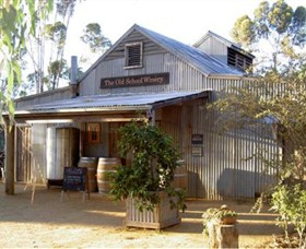 The Old School Winery and Pottery - Accommodation Ballina