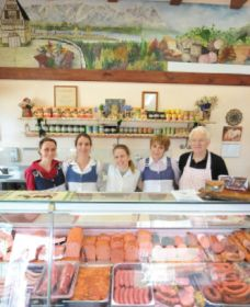 Mentges Master Meats - Accommodation Ballina