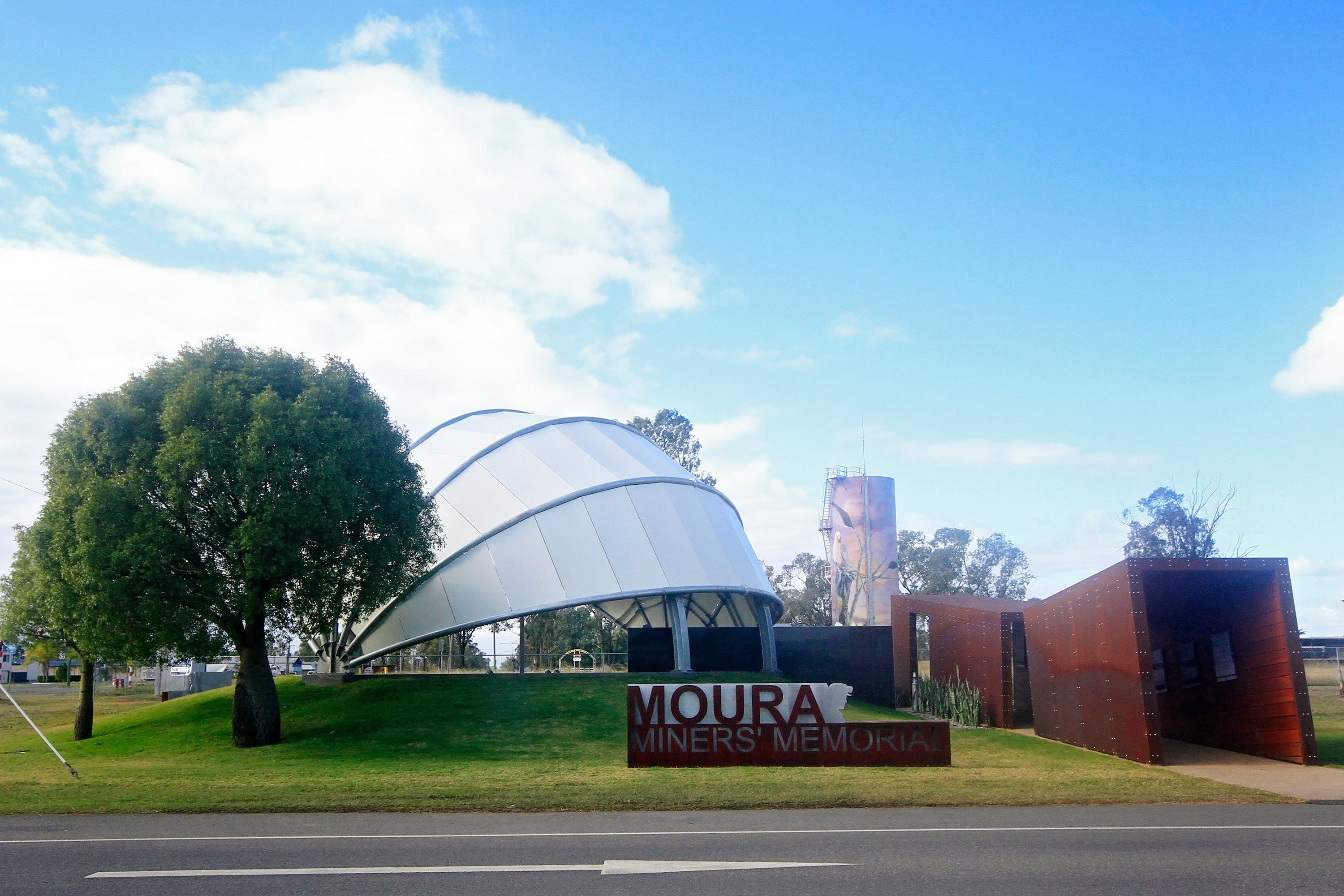 Moura - Accommodation Ballina