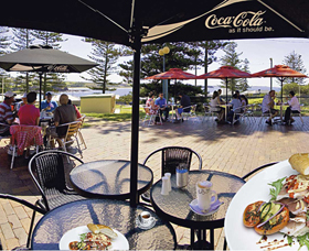 The Beach and Bush Gallery and Cafe - Accommodation Ballina