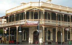 Cathedral Hotel - Accommodation Ballina