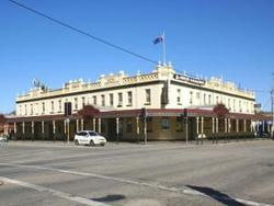 Soden's Australia Hotel - Accommodation Ballina