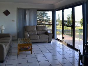 Oxley 8 at Tuncurry - Accommodation Ballina