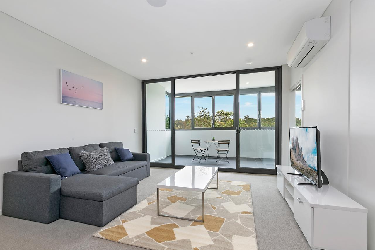 Stylish and Neat two bed apartment in Wentworth Point - Accommodation Ballina