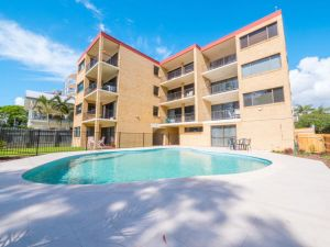 Golden Shores Unit 3 21 Landsborough Parade - Accommodation Ballina