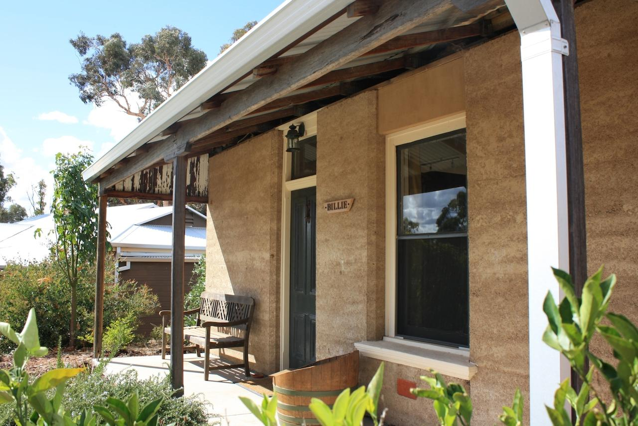 Hotham Ridge Winery and Cottages - Accommodation Ballina