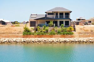 27 Corella Court - Exquisite Marina Home With a Pool and Wi-Fi - Accommodation Ballina