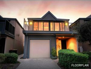 Ocean Grove House with Fantastic Ocean Views - Accommodation Ballina
