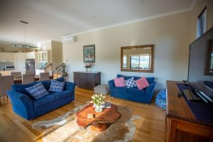 Paula's Place 8 Ti Tree Close Robe - Accommodation Ballina