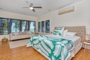Seascape Luxury Beachfront House - Accommodation Ballina