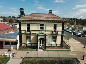 The Bank Guesthouse Glen Innes - Accommodation Ballina