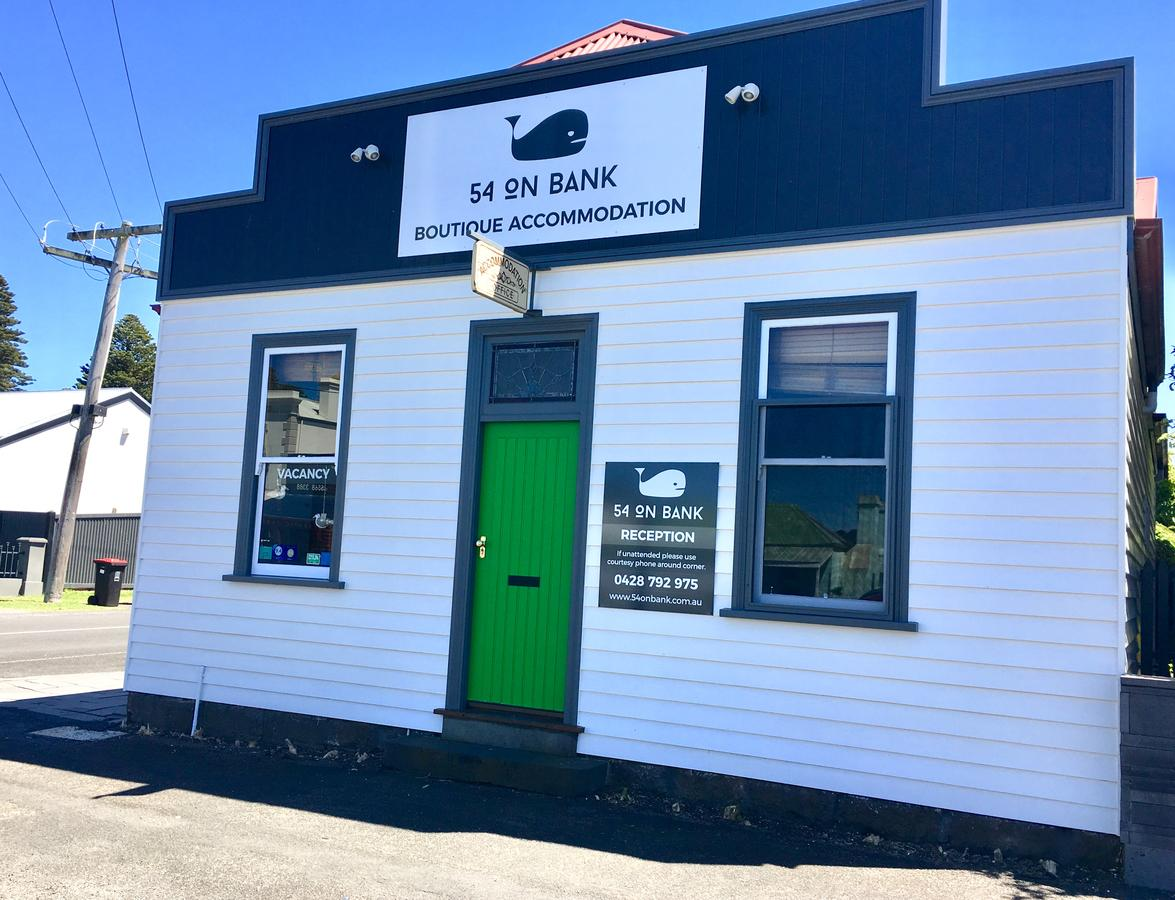 54 on Bank - Accommodation Ballina