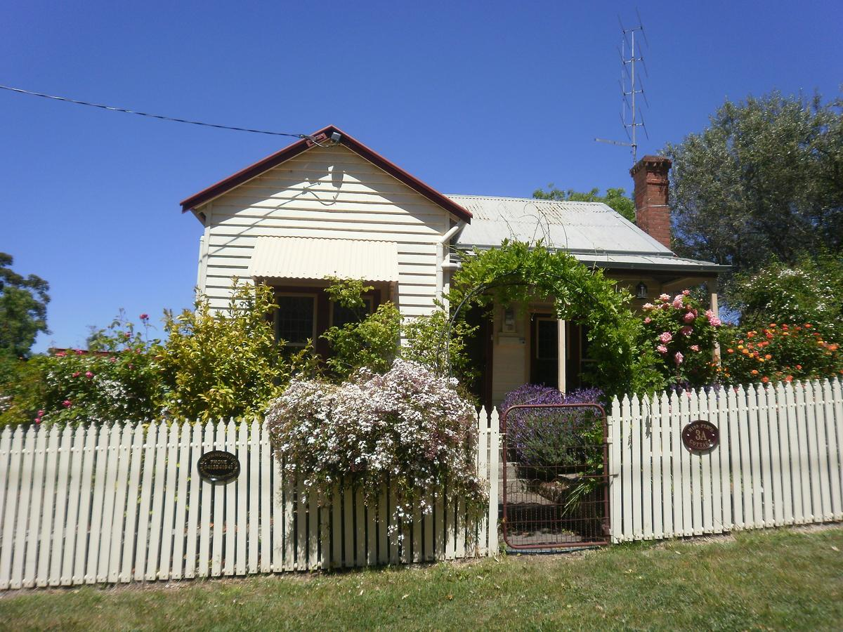 Miss Pym's Cottage - Accommodation Ballina