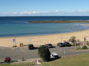 Toowoon Beach View 3br Villa 4 just steps to beach with views - Accommodation Ballina
