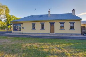 Whites Corner - Accommodation Ballina