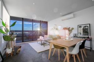 107 Light Filled Cozy Apt in the Heart of St Kilda - Accommodation Ballina