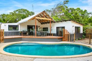 11 Naiad Court - Rainbow Shores Fantastic Family Retreat Swimming Pool 200m to beach Free Wi-Fi - Accommodation Ballina