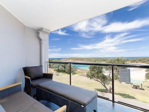 5 'The Outlook' 4 Ocean Parade - overlooking Boat Harbour beach and ducted air conditioning - Accommodation Ballina