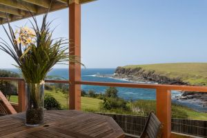 Absolute Oceanfront Cottage - Accommodation Ballina