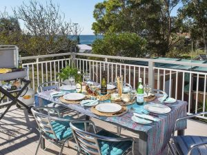 Araluen on Holden - great deck with ocean views - Accommodation Ballina
