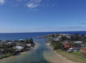 Barrack Point Holidays - Accommodation Ballina