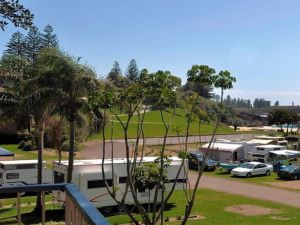 Beachside Getaway - 150m to beach - Accommodation Ballina