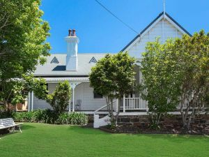 Blake House - iconic coastal homestead - Accommodation Ballina