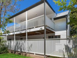 Blake Loft on Manning - 500 metres to two beaches - Accommodation Ballina